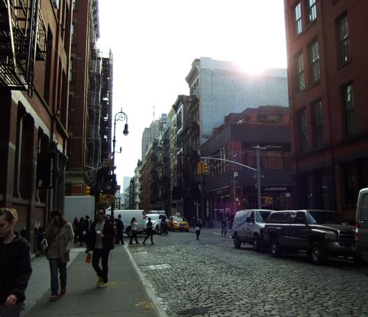 ニューヨークのSOHOでも近づく春の気配_b0007805_12432237.jpg