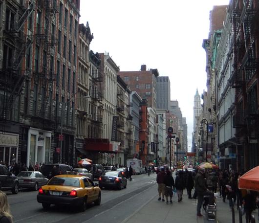 ニューヨークのSOHOでも近づく春の気配_b0007805_12581682.jpg