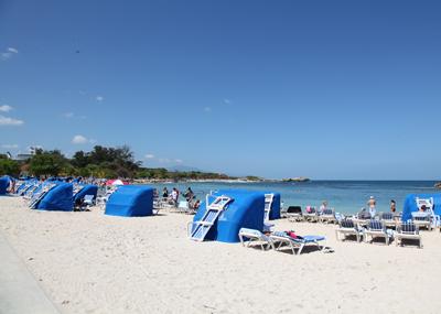 ハイチのラバディに寄港_e0154202_13203660.jpg