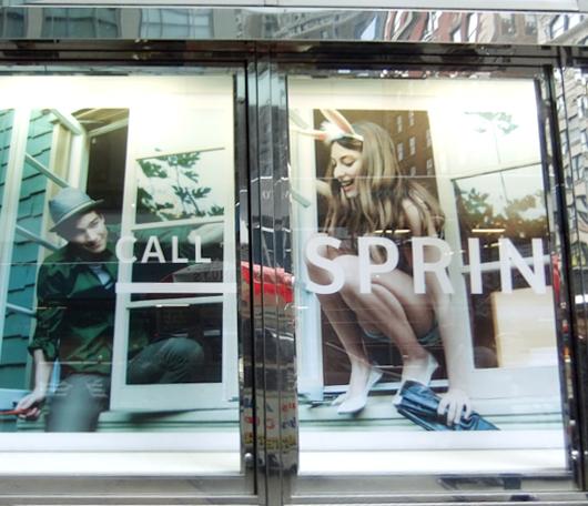 ニューヨークの街角ショーウィンドウも春っぽくなってきました_b0007805_23373168.jpg