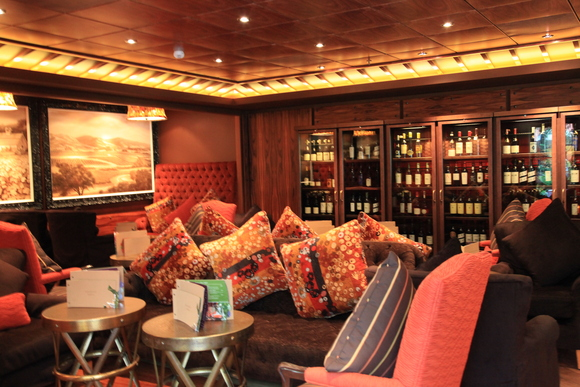 船上レストラン _e0154202_7292645.jpg