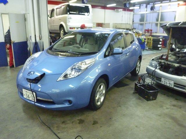 電気自動車 日産リーフ_b0054727_0521667.jpg