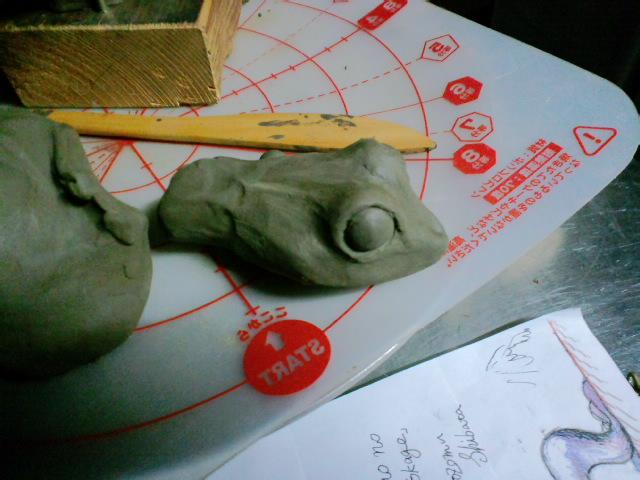 『トカゲのリノ』アイデアから粘土模型まで_e0209927_1554827.jpg