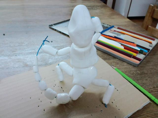 『トカゲのリノ』アイデアから粘土模型まで_e0209927_1554834.jpg