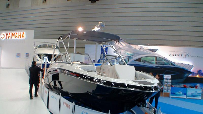 JAPAN INTERNATIONAL BOATSHOW 2011 その3 ヤマハブース1_a0132631_0285937.jpg