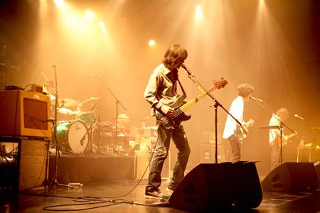 快挙が続く話題のアルバムを引っさげGRAPEVINEの全国ツアーがいよいよスタート!!_e0197970_18394090.jpg
