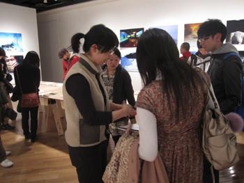 志賀理江子写真展 オープニングレセプション&ギャラリートーク_f0023676_22134814.jpg
