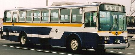 大分バス 日野P-HT235BA +富士5E_e0030537_037394.jpg