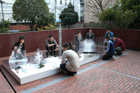 首都大学東京システムデザイン学部インダストリアルコースの展覧会がスタートしました。_f0171840_14373173.jpg