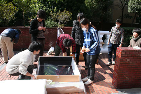 首都大学東京システムデザイン学部インダストリアルコースの展覧会がスタートしました。_f0171840_14412530.jpg