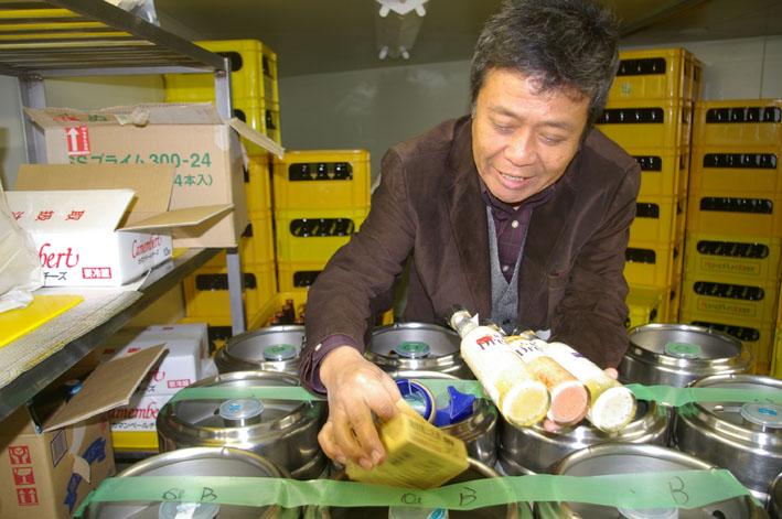 鎌倉ビールを見学、新「北鎌倉の恵み」の商品化で意見交換_c0014967_1812187.jpg