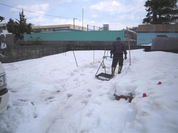 畑の雪 2011.03.10_c0213599_21333570.jpg