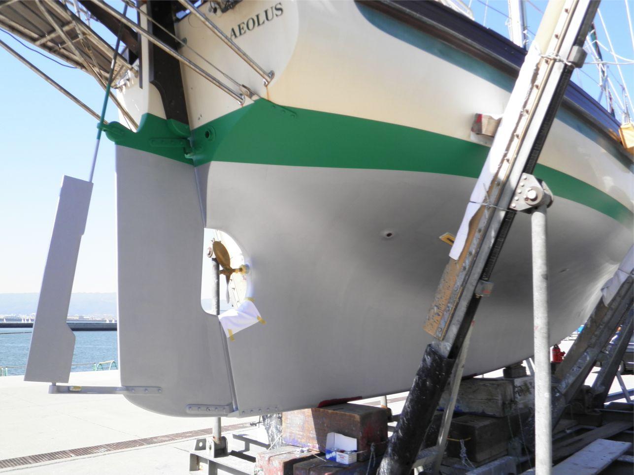 船底整備のすべて⑫ ハル上部(緑ライン) 船底塗料ニューマリンゴールド緑 塗装後_a0051924_22275854.jpg