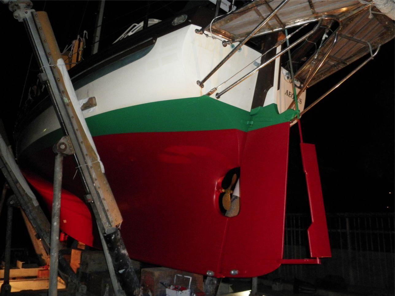船底整備のすべて⑬ ハル 船底塗料033赤 塗装後_a0051924_22335464.jpg