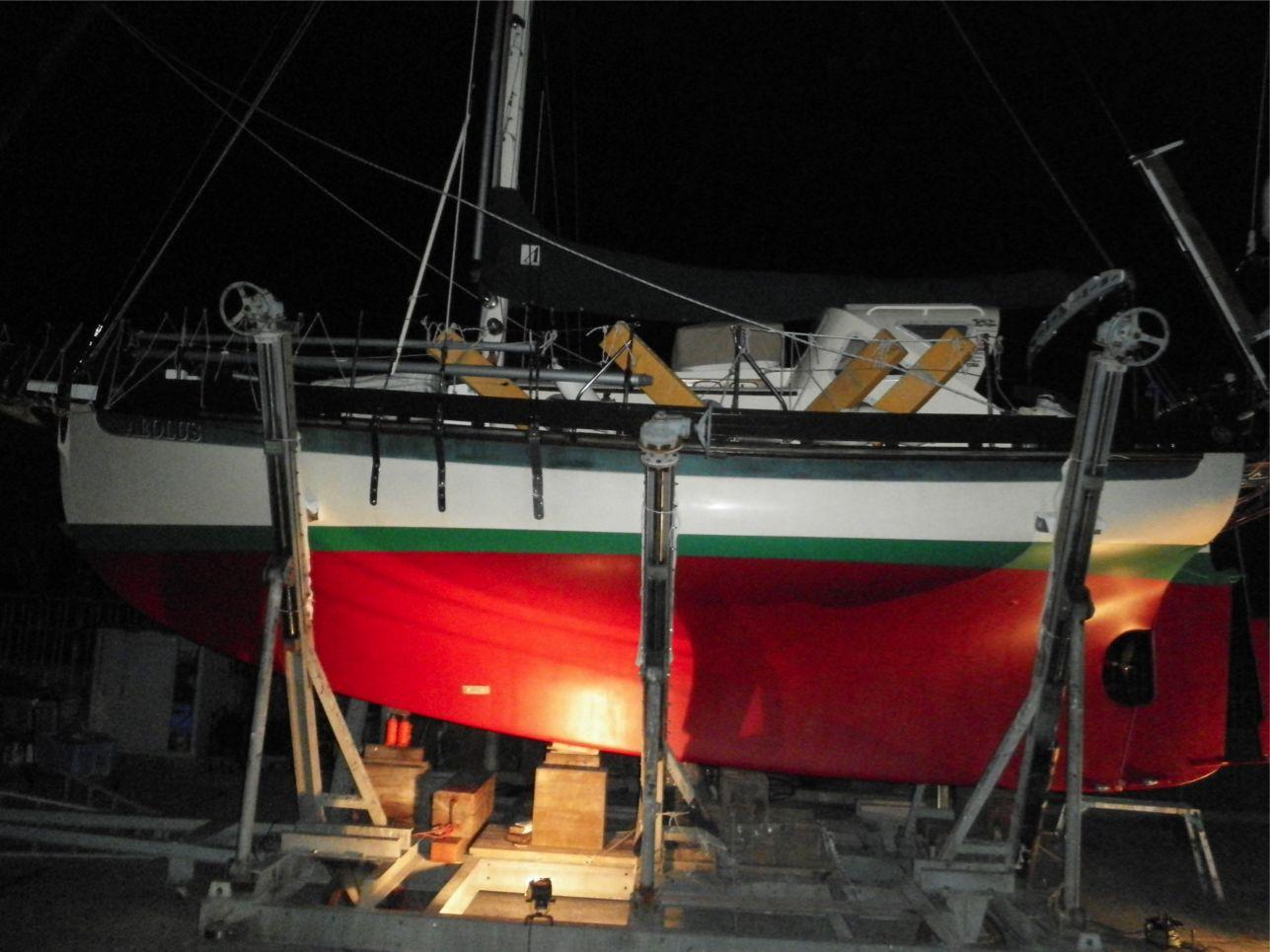 船底整備のすべて⑬ ハル 船底塗料033赤 塗装後_a0051924_22353473.jpg