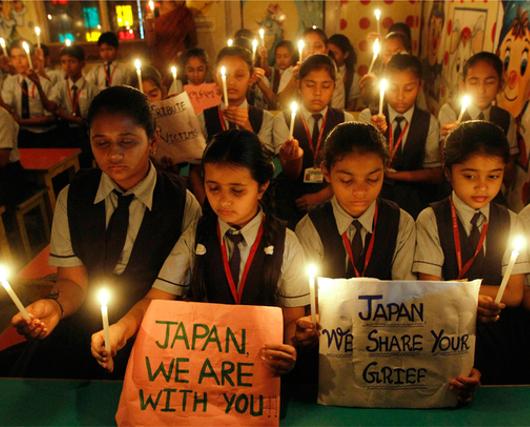 JAPAN, WE ARE WITH YOU! 日本を助けるために動き出したアメリカ_b0007805_4534233.jpg
