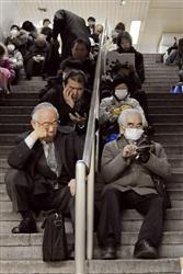 世界が日本人の冷静さを絶賛:「マナー世界一」_e0171614_22351081.jpg