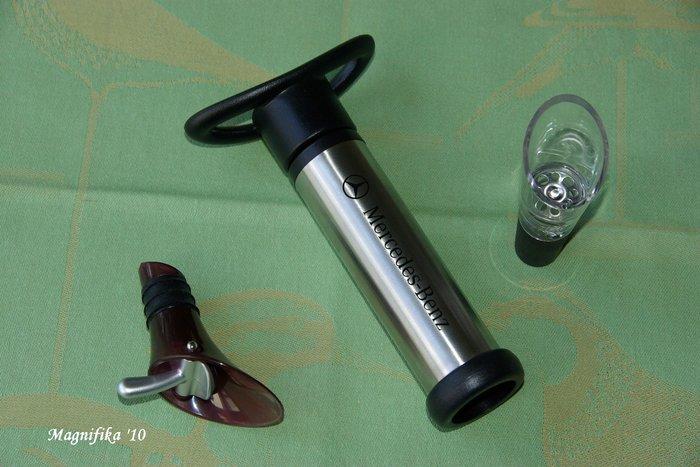 楽なワイン・オープナー Easy Wine Bottle Opener_e0140365_14305595.jpg