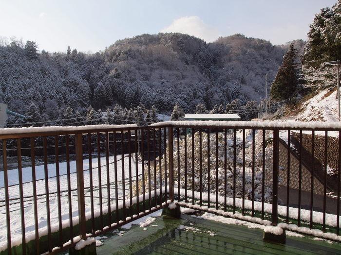今朝は雪景色_c0116915_2215873.jpg