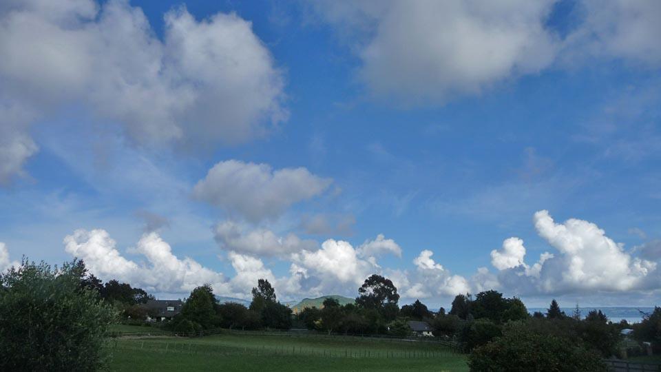 朝の雲_e0133780_14374976.jpg