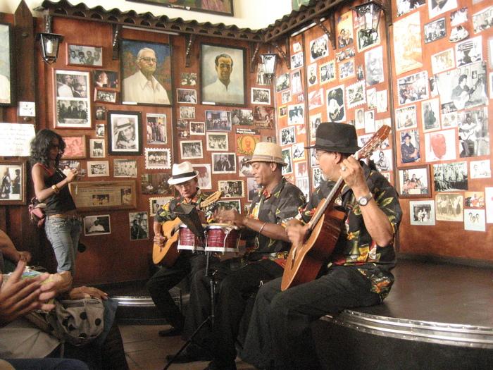 キューバ·フェスティバル通信2011·3_a0103940_3364383.jpg