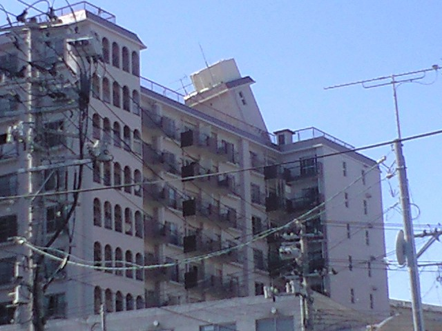 東日本大震災、仙台市街の被害状況_b0206845_1653572.jpg