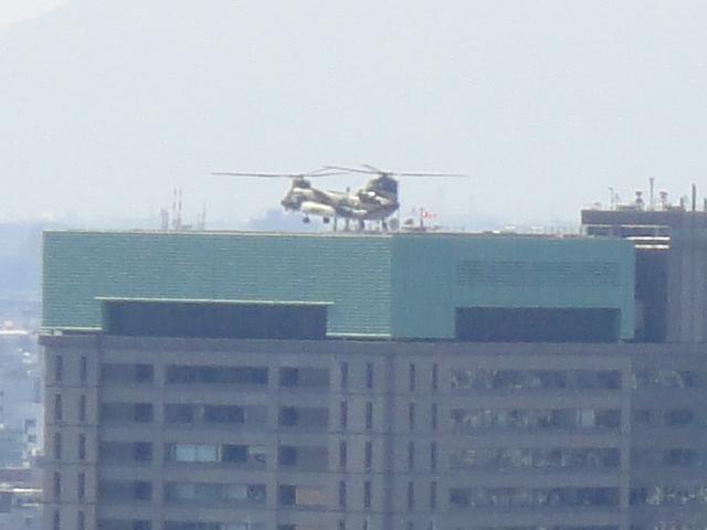ヘリコプターの音_b0190666_21484045.jpg