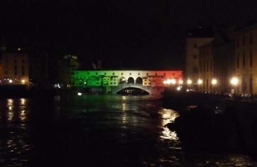 トリコローレのヴェッキオ橋_f0106597_431976.jpg
