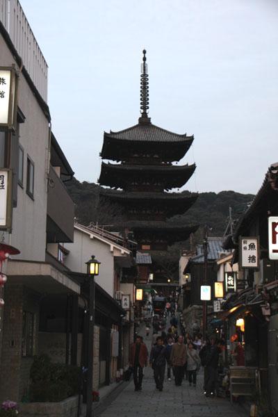 京都・東山祈りの灯1_e0048413_22103729.jpg