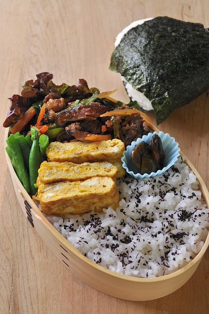 プルコギのお肉とインゲンのお弁当_b0171098_7171129.jpg