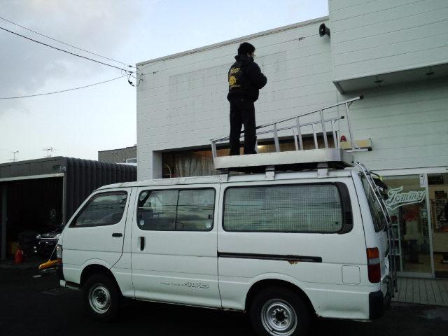 店長のニコニコブログ!ランクルコーナー撮影☆_b0127002_023185.jpg