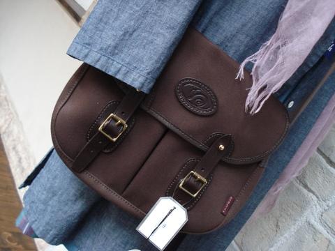 新入荷バッグは「CHAPMAN」。_d0153941_102353.jpg