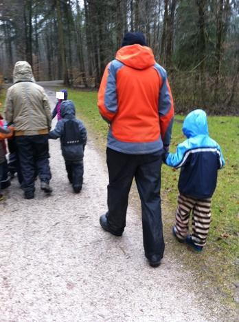 森の幼稚園インターンシップ第三期生の実習が決定しました☆_f0037258_2223722.jpg