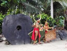 トルー村の踊り上げ_a0043520_84612100.jpg