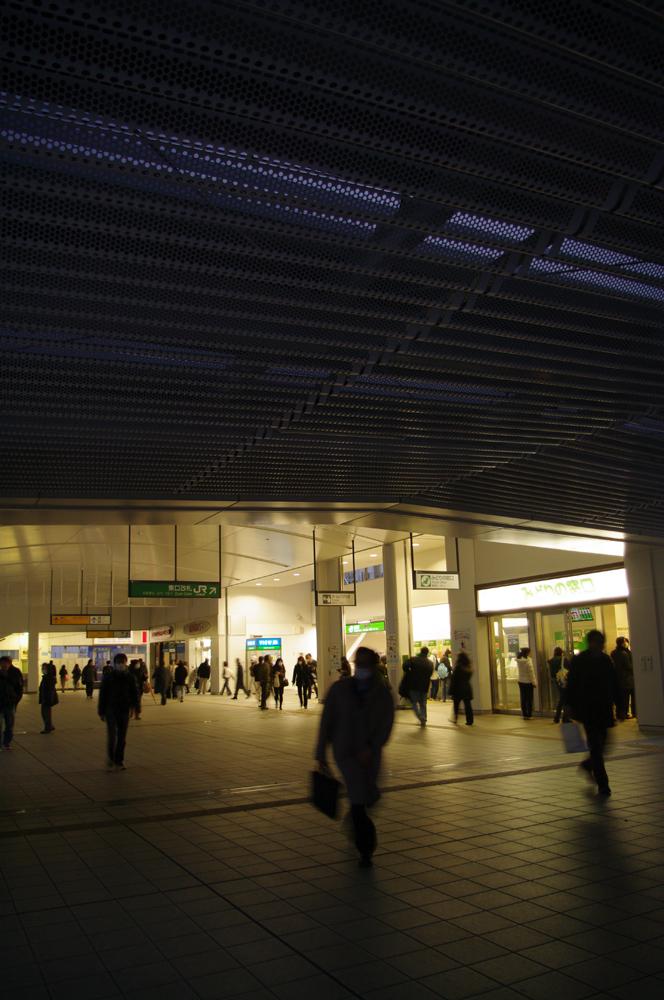 081 - 停電中の辻堂駅_f0183059_20444722.jpg