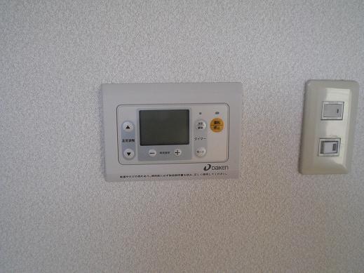 快適な床暖房 ~ 意外と大変な電源用配線_d0165368_426273.jpg