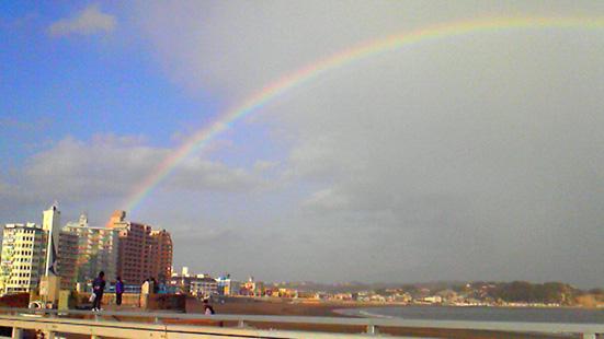 虹が出た!_d0106911_17435133.jpg