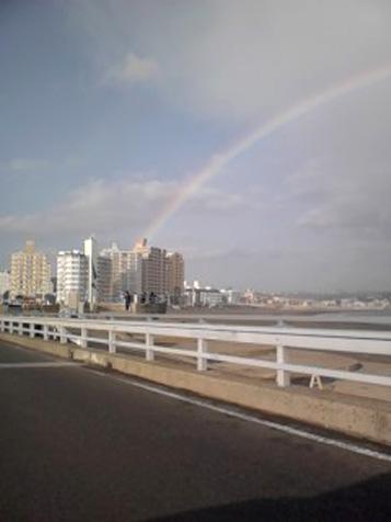 虹が出た!_d0106911_18145552.jpg