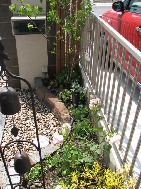 アプローチ・ガーデン_e0128024_23485036.jpg