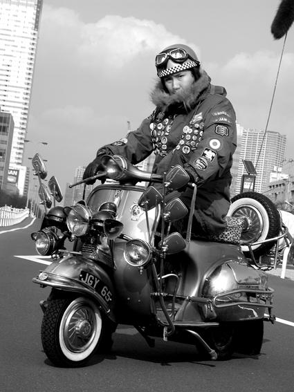 黒川 聡  & Douglas Vespa Sportique Supreme(2011 0308)_f0203027_1044647.jpg