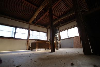2階の床と1階の天井_f0115152_1721123.jpg