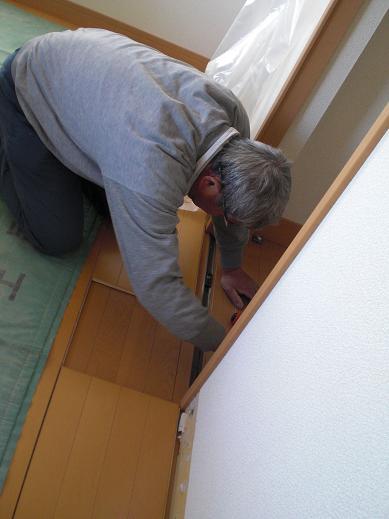 快適な床暖房 ~ ドアの切り詰め_d0165368_6115910.jpg