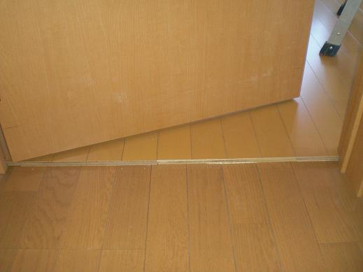 快適な床暖房 ~ ドアの切り詰め_d0165368_6123916.jpg
