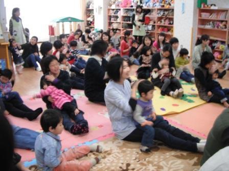 2011.03.22音楽リスム遊び_f0142009_10483179.jpg