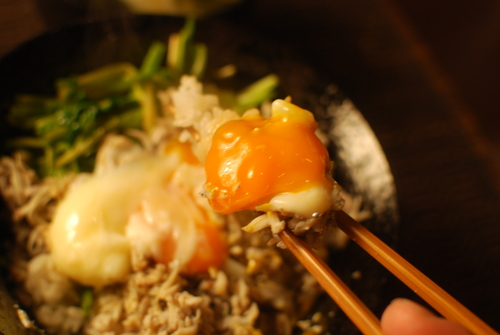ごま油香る セリと小女子の春色丼_d0159822_19175419.jpg