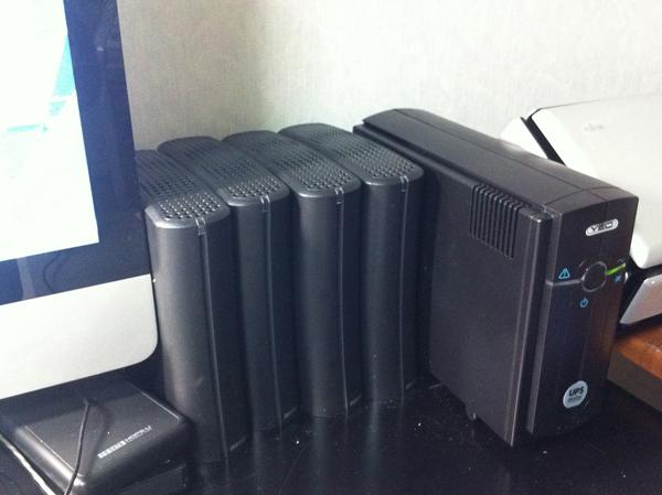 これで計画停電も大丈夫? 家庭用バッテリー充電 UPSを購入した_f0104645_05157.jpg