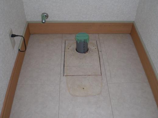 快適な床暖房 ~ 2階のトイレ①_d0165368_17373343.jpg