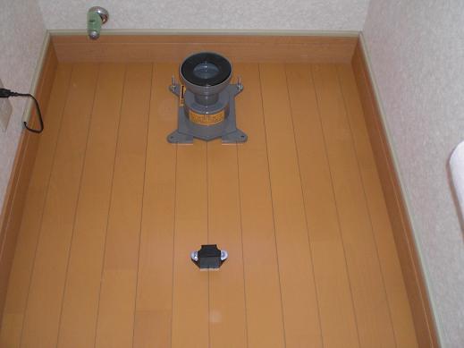 快適な床暖房 ~ 2階のトイレ①_d0165368_17375550.jpg