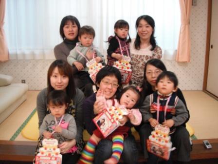 2011.03.25 3月のお誕生会_f0142009_14345364.jpg
