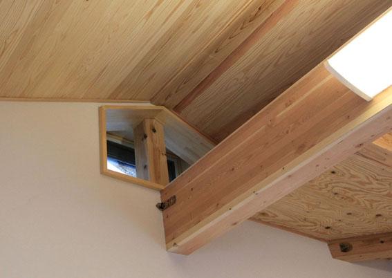 Q1.0住宅S上越の家:高窓の通風と日射遮蔽_e0054299_14115698.jpg